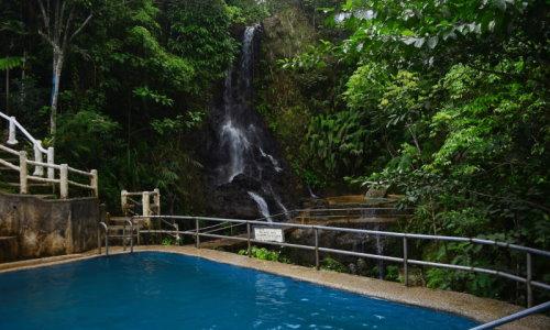 Seagull Mountain Resort Waterfall in BUDA